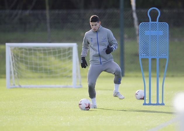 Carlo Ancelotti confirms James Rodriguez will play against Manchester United - Bóng Đá