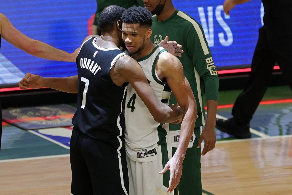 """Lịch thi đấu NBA 6/6: """"Bộ ba quái vật"""" vs """"Á thần"""""""